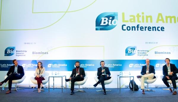 Imagem dos integrantes do painel 'Salvaguardando a conservação da biodiversidade e apoiando P&D e inovação nos ecossistemas globais'